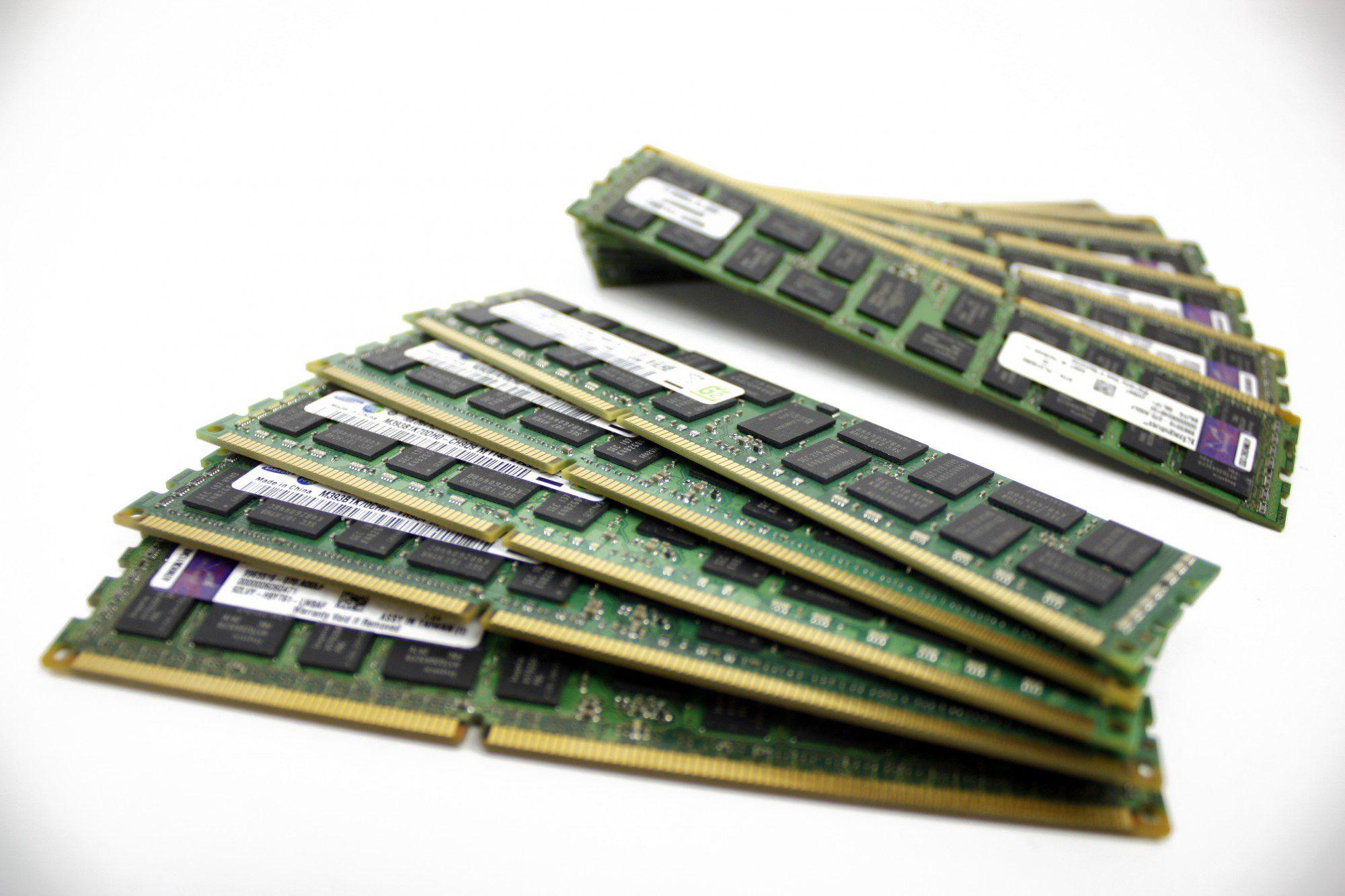 DDR3 RAM sticks picture 2