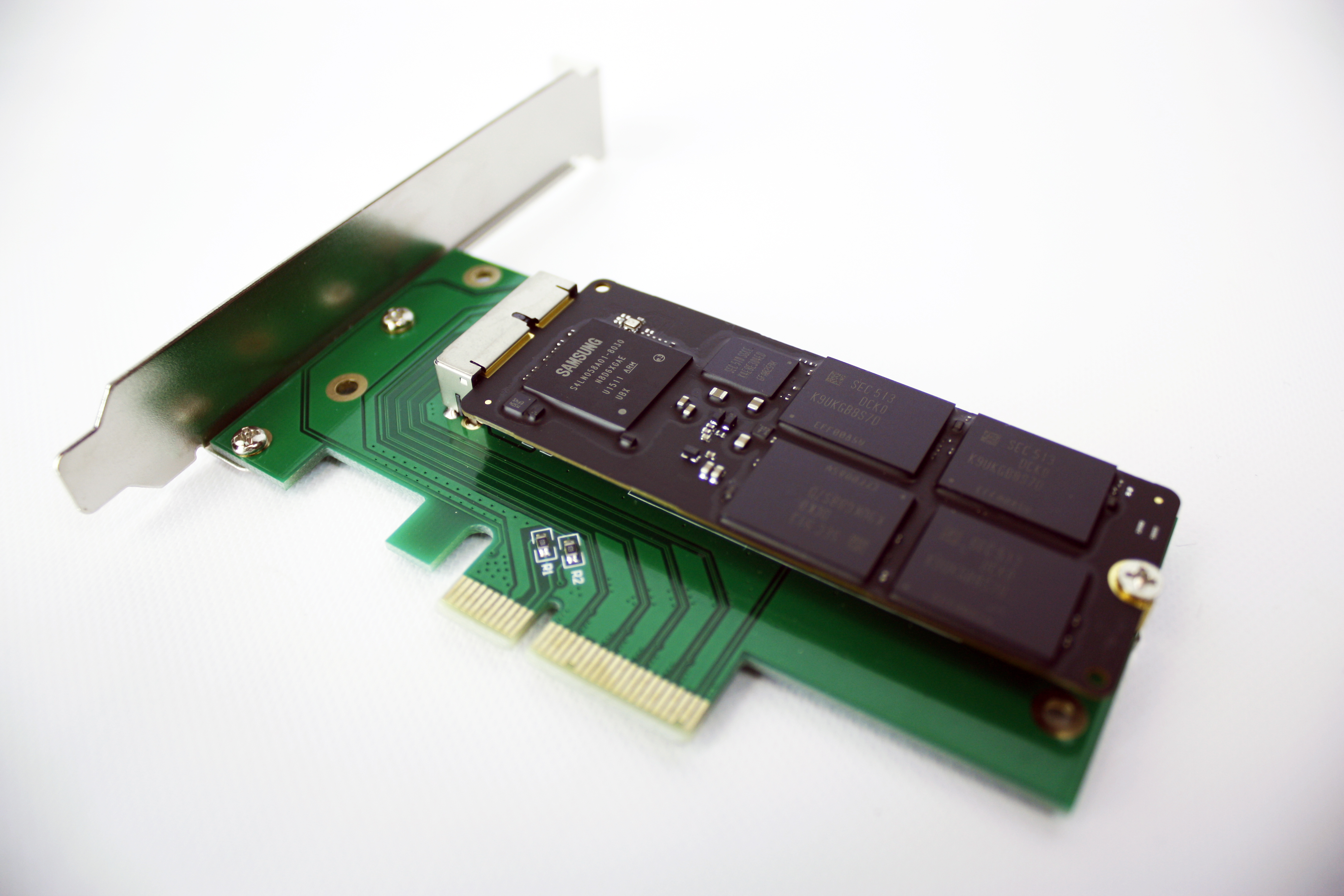 Create Pro offer 2015 Apple flash storage blades with native TRIM